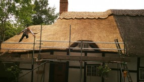 Re-thatch – Luddington, Warwickshire