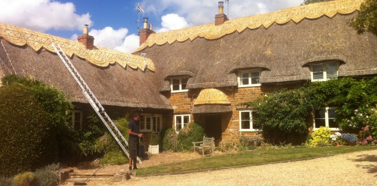How Long Does A Thatched Roof Last For?