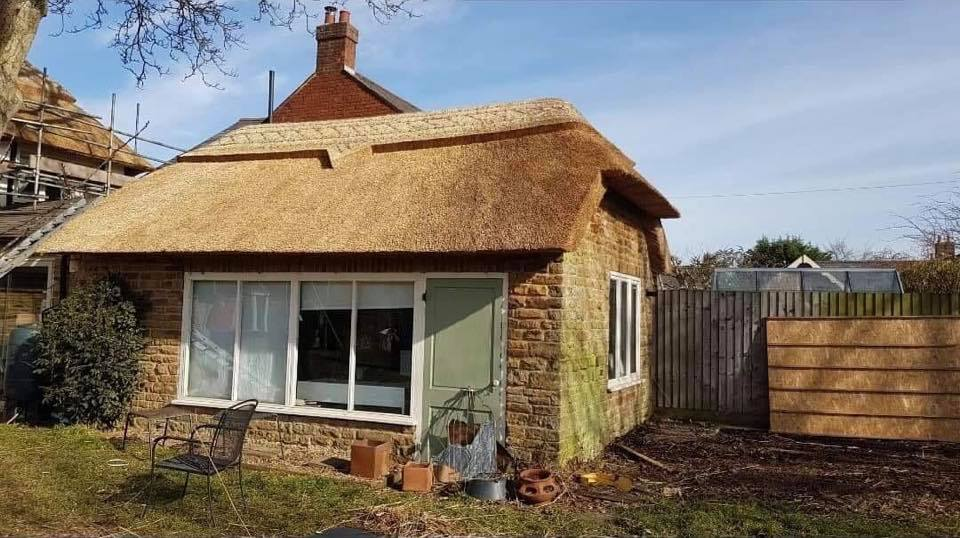 What type of building can be thatched?